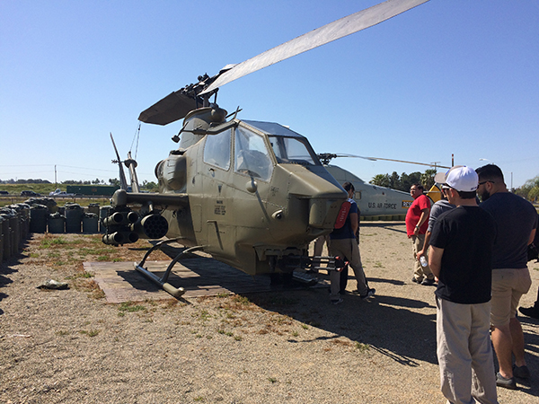 Student veterans looking at UH-1